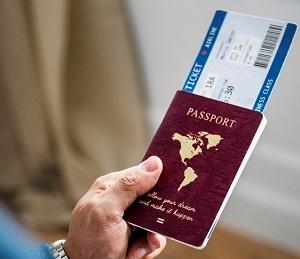 passet och flygbiljetten är dina nycklar till världen